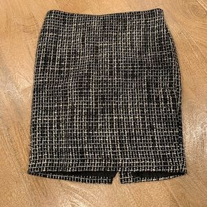 Dresses & Skirts - Like new pencil skirt